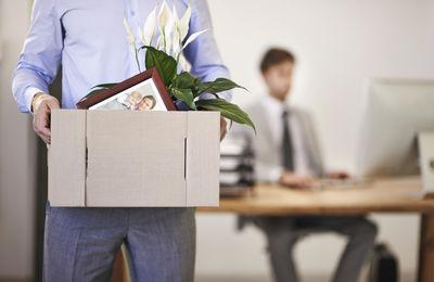 Незаконное увольнение с работы, куда обращаться если вас уволили незаконно, куда жаловаться если увольняют.