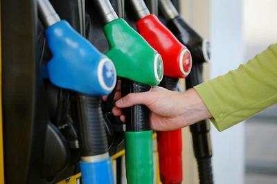 Правительство решило снизить акцизы на топливо