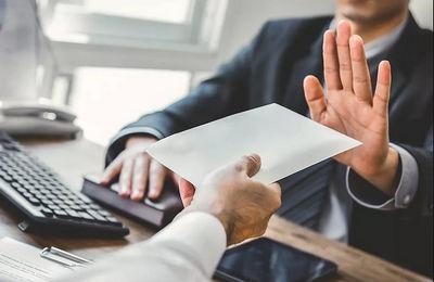 Работодатель отказывается подписывать заявление об увольнении