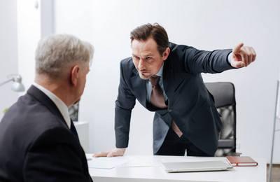 Отстранение от работы: понятие и основные причины, порядок действий, в каком случае это не законно