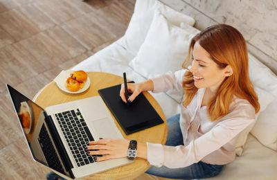 Как оформить приказ о переводе на дистанционную работу: скачать бланк и образец на 2021 год